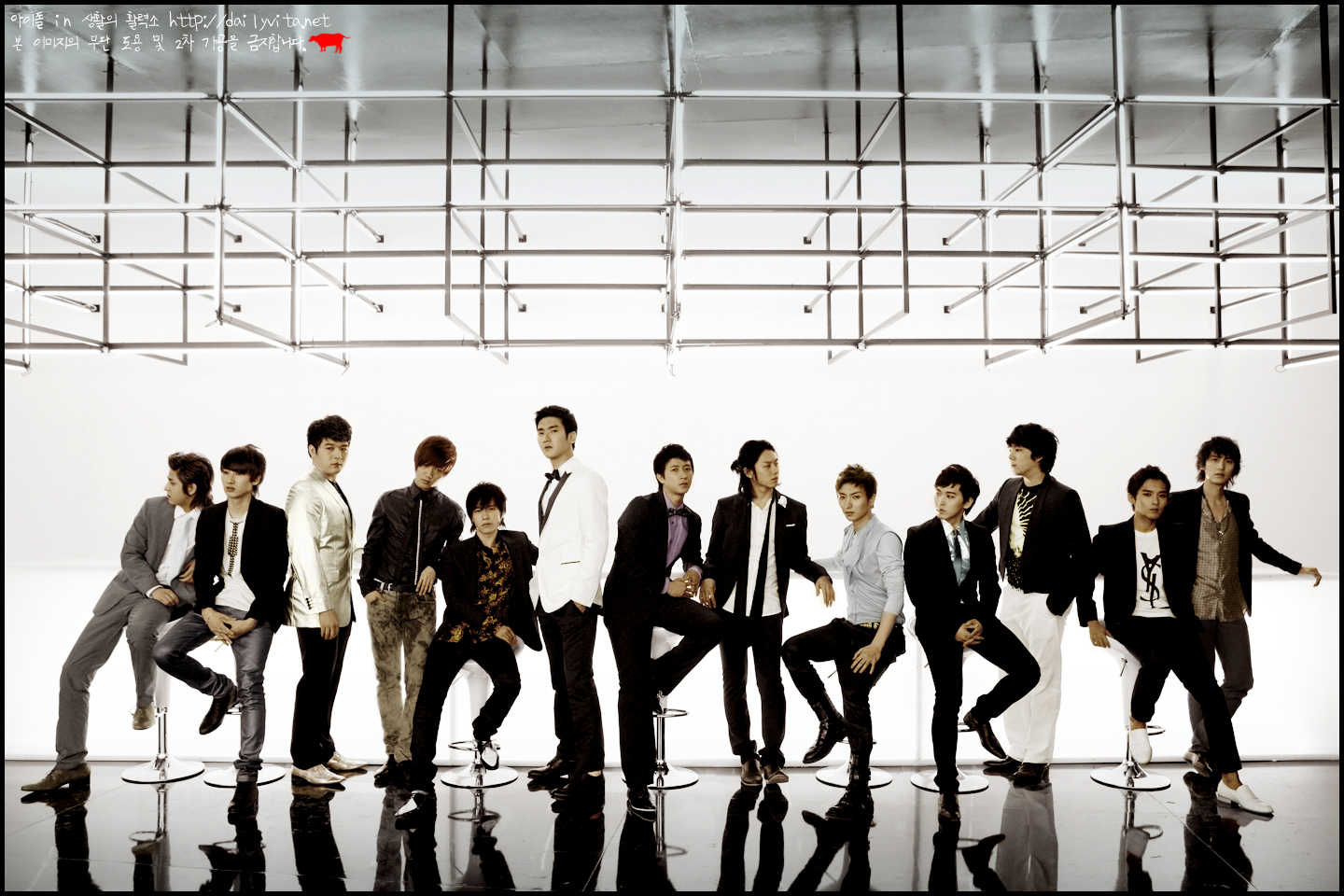 http://stressedkpopfan.files.wordpress.com/2009/09/super-junior.jpg